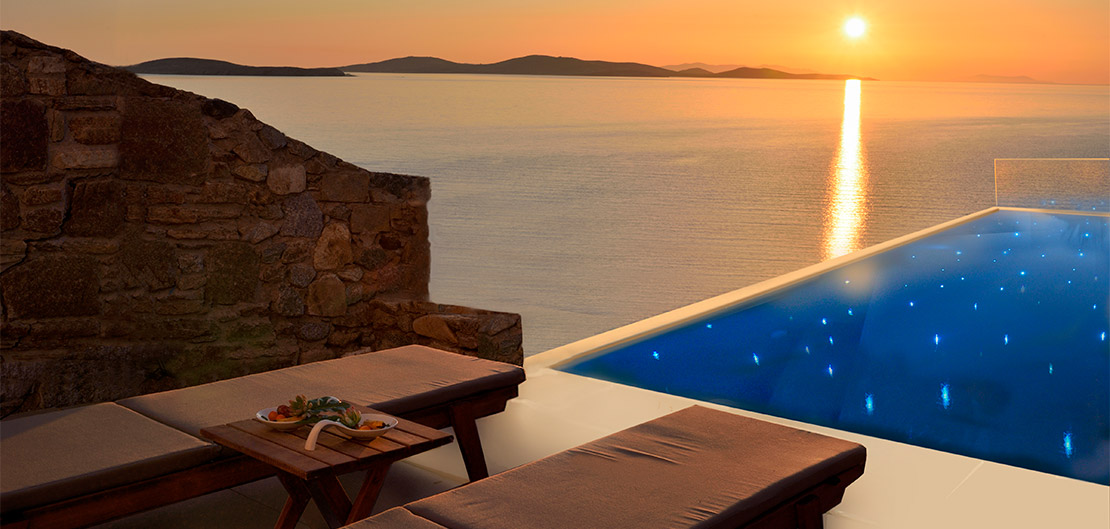 SUPERIOR SEA VIEW SUITE WITH INFINITY PRIVATE POOL