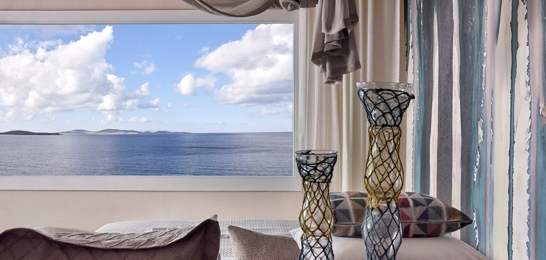 AMAZON SEA VIEW SUITE WITH INFINITY PRIVATE POOL